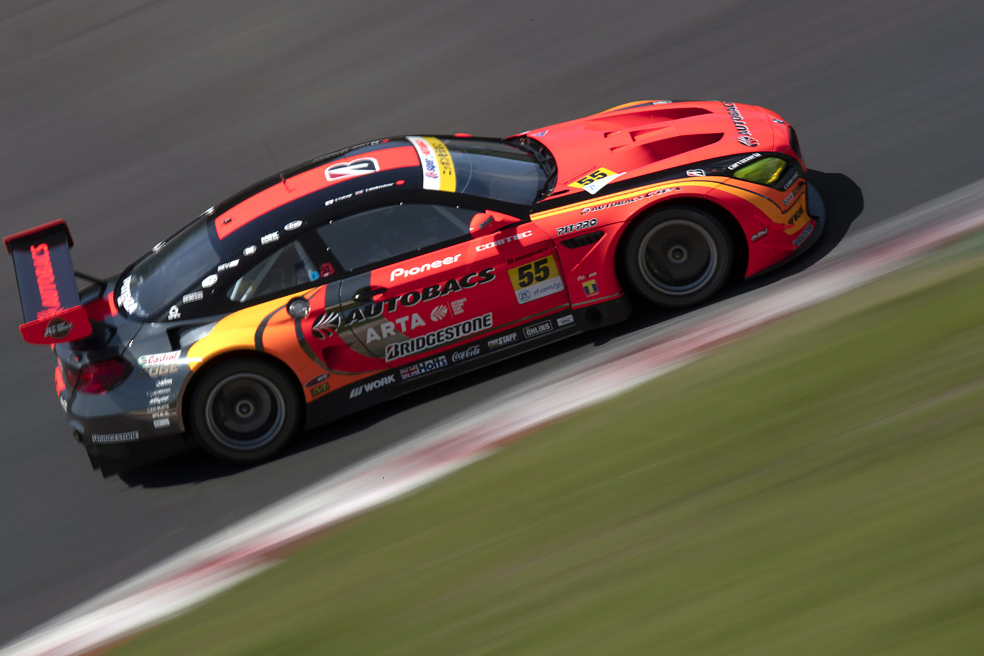 Points leaders of GT300 remain on top despite P20 finish in Rd3.