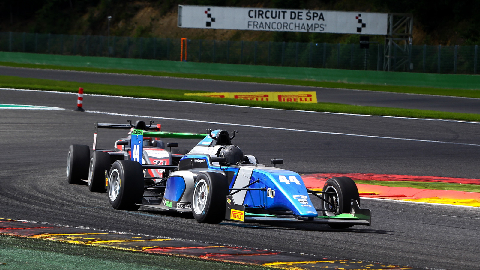Highlight performance in race three with Maxwell P7 and Denyssen P8